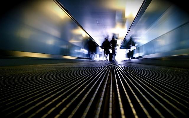sécurité aéroport enfants