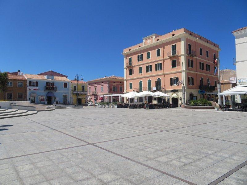place centrale santa teresa