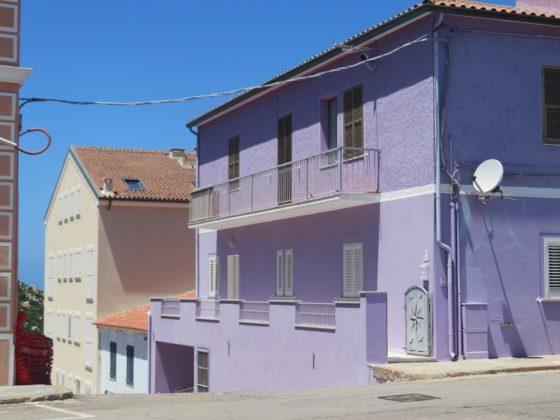 maison mauve sardaigne