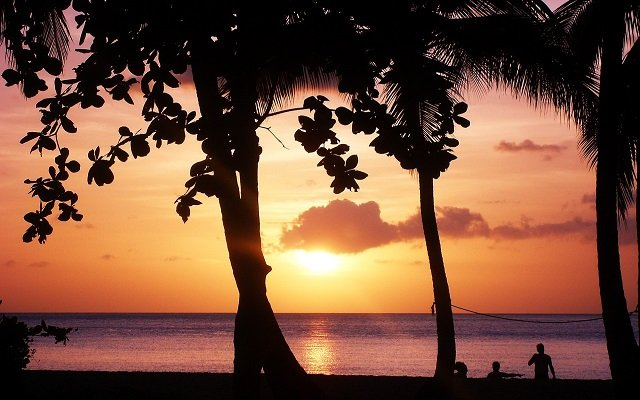 coucher soleil guadeloupe plage