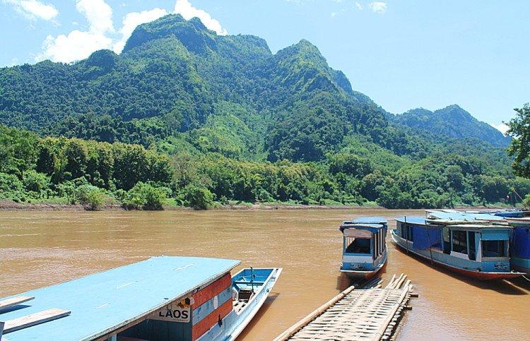 bateaux Nong Khiaw