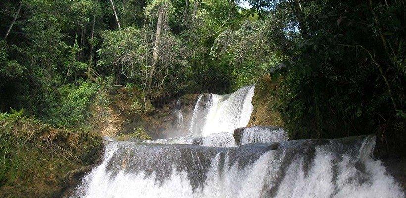 cascades black river