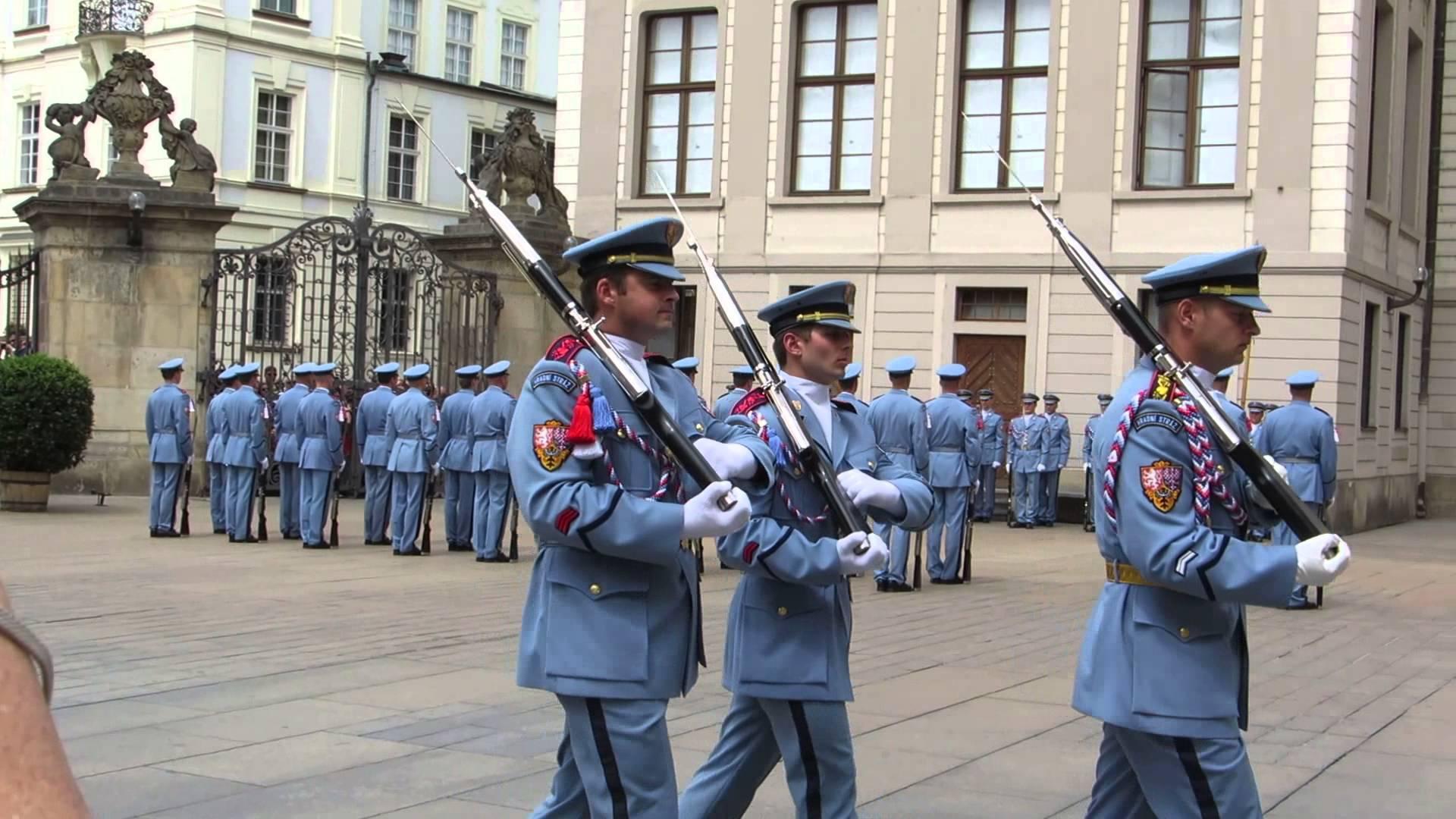 cérémonie garde prague chateau