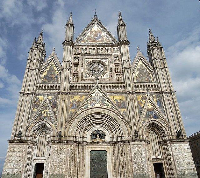 façade cathedrale orvieto