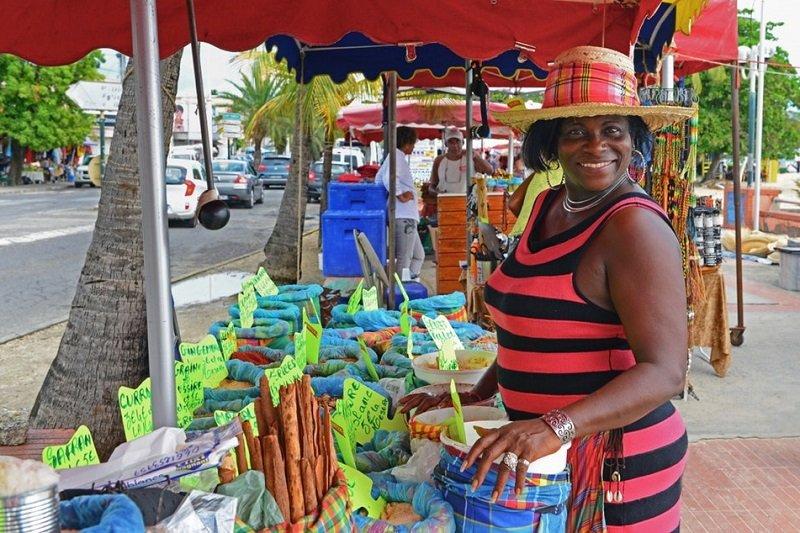 marché sainte anne guadeloupe
