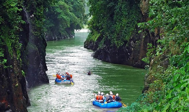 rafting sur le rio pacuare