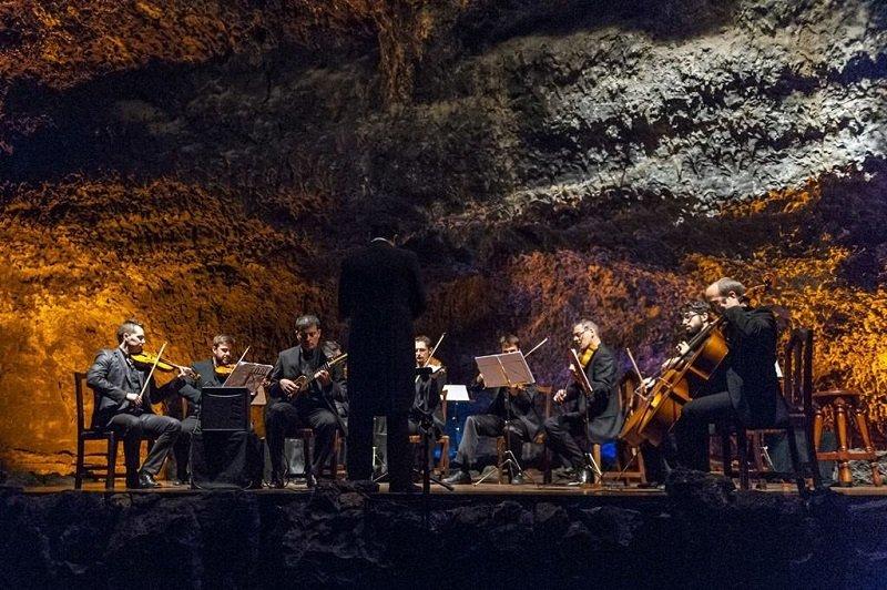 cueva de los verdes concert