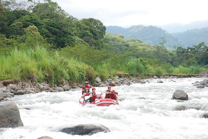 turrialba rafting