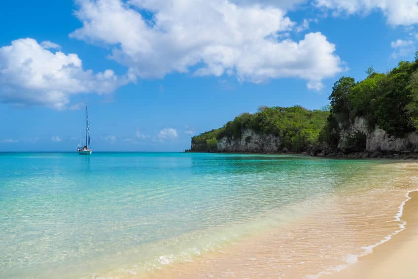 plage anse canot marie galante