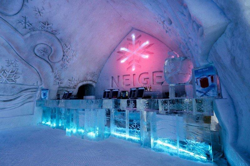 le plus grand h tel de glace d 39 am rique du nord est situ au canada. Black Bedroom Furniture Sets. Home Design Ideas