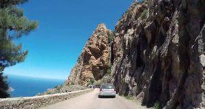 Louer une voiture et conduire en Corse