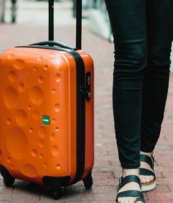 Pourquoi vous devriez toujours voyager avec une valise rigide