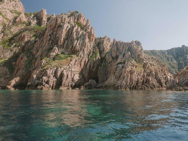 calanques de piana depuis la mer