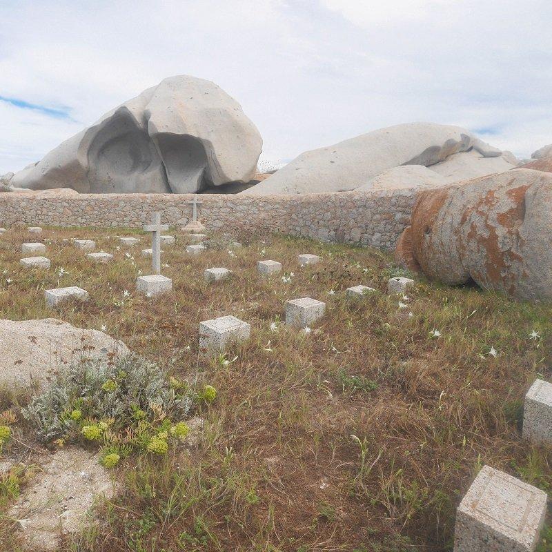 cimetière lavezzi