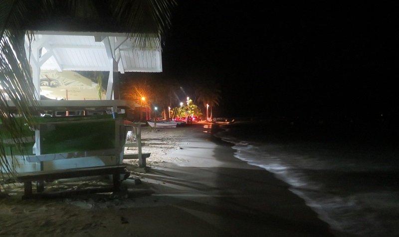 plage sainte anne nuit