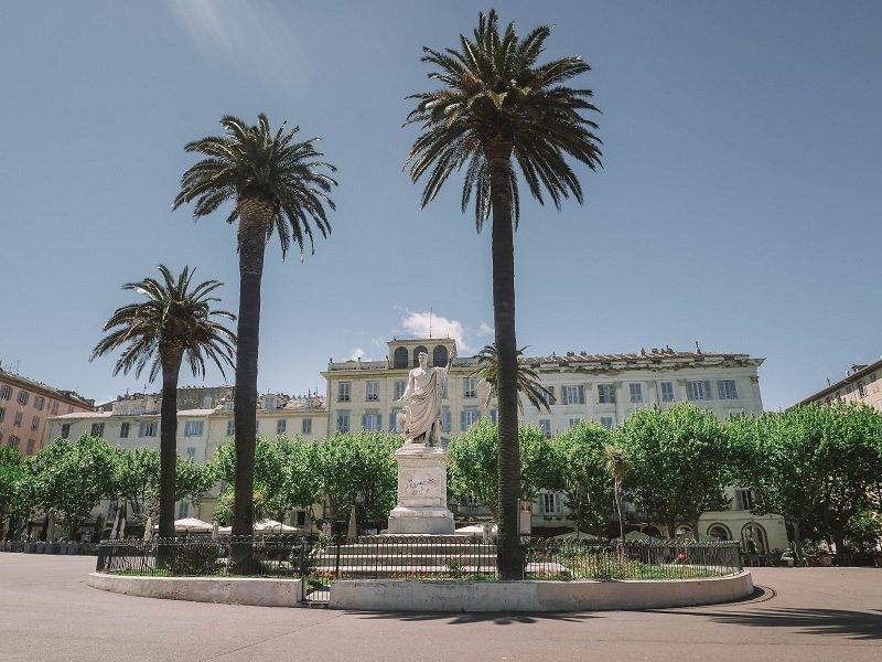 sculpture napoleon place saint nicolas bastia