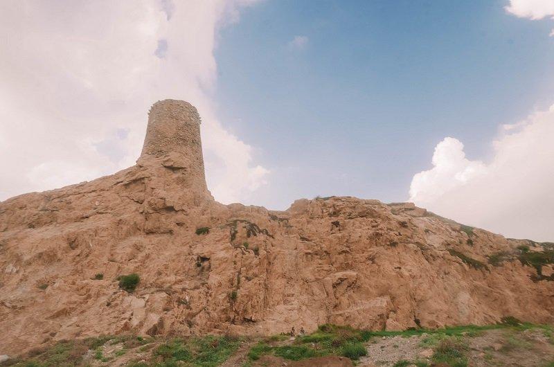 ile de la pietra tour genoise