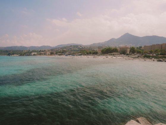 plage de l'ile rousse