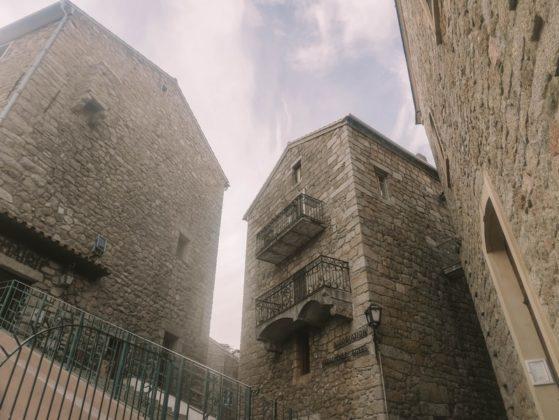 maisons en pierre corse