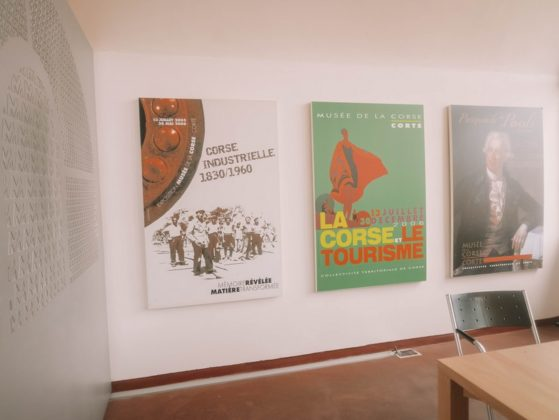 affiches au musée de corte