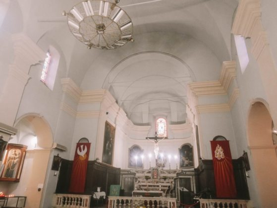 interieur eglise de sartene