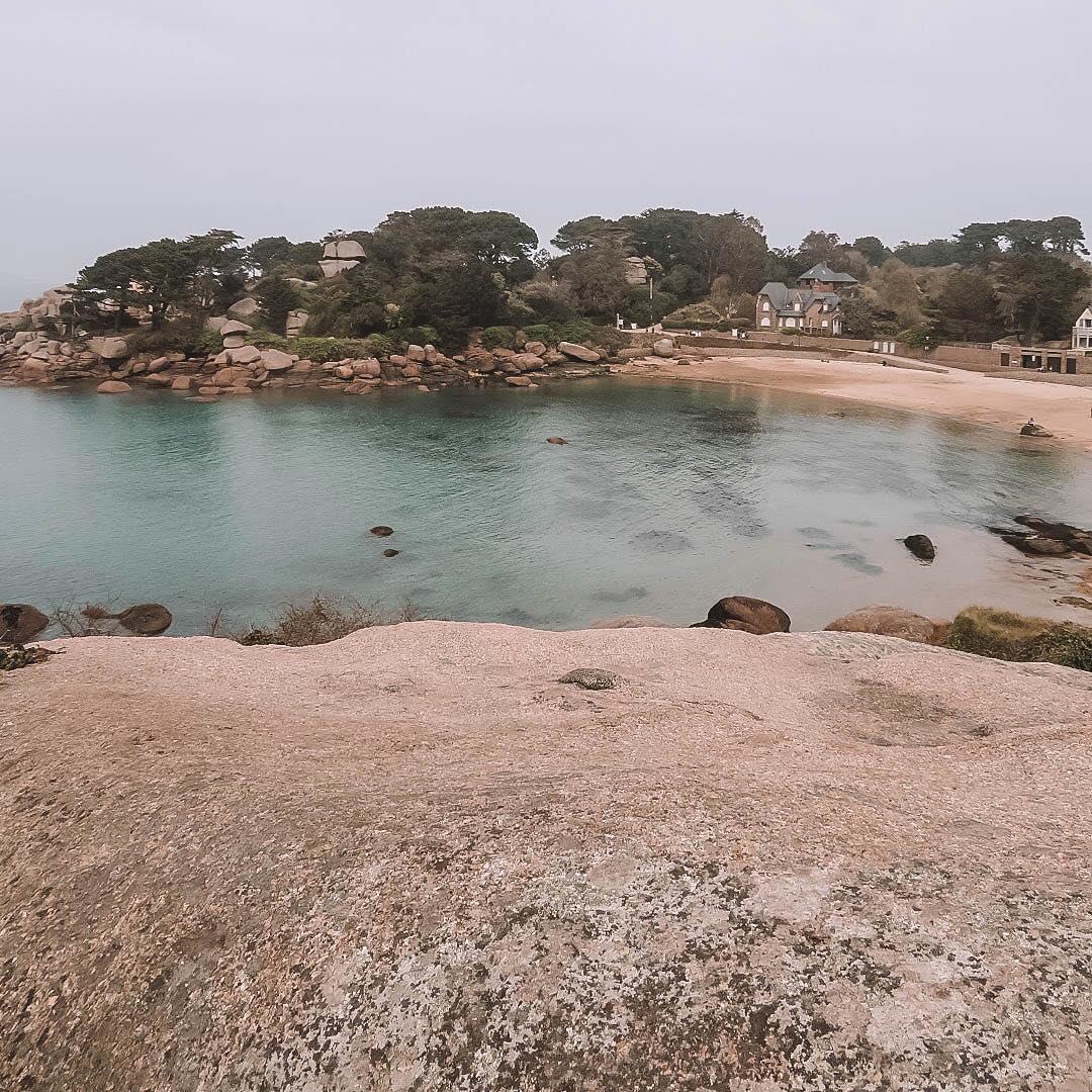 plage de ploumanach