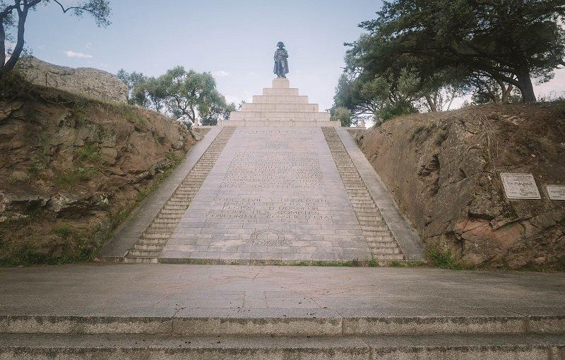place Austerlitz statue napoleon