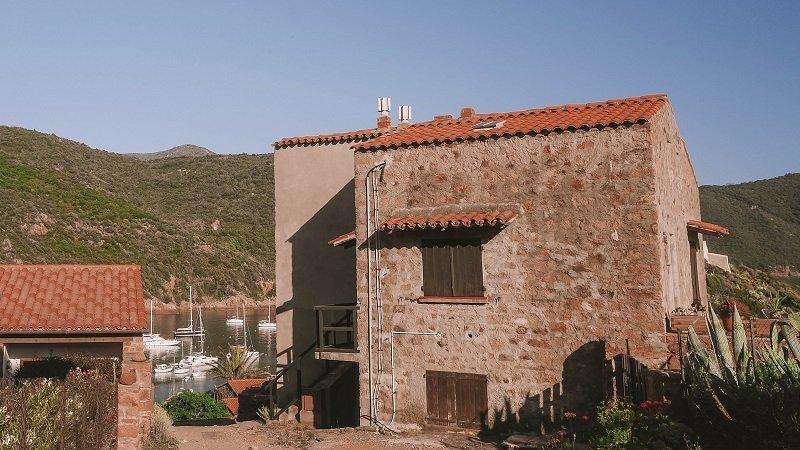 village girolata