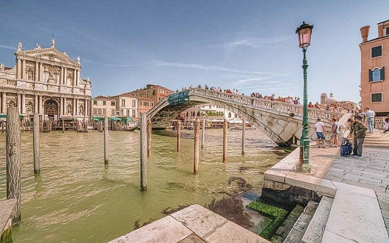 Ponte degli Scalzi venise