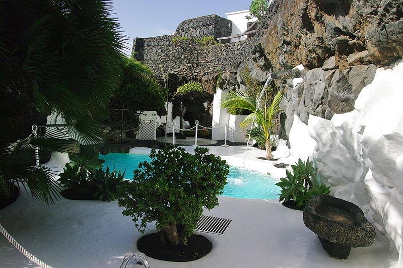 piscine fondation cesar manrique