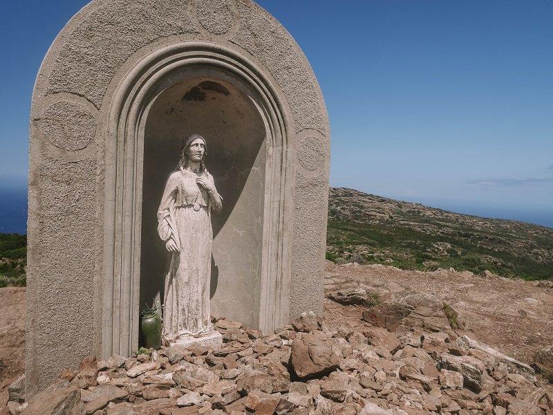 statue sainte devote