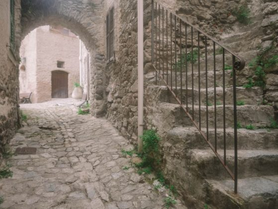 ruelle village lama