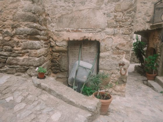 maison en pierre lama
