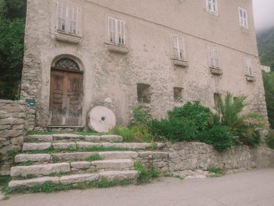 vieille maison lama