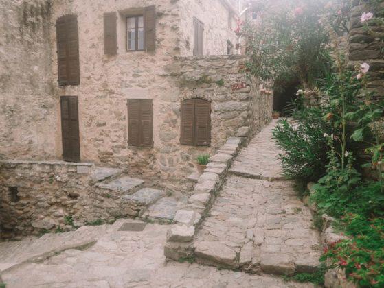 lama village en balagne
