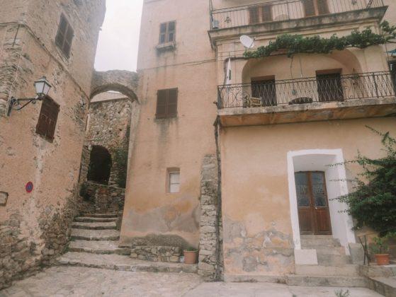 maisons médiévales lama corse