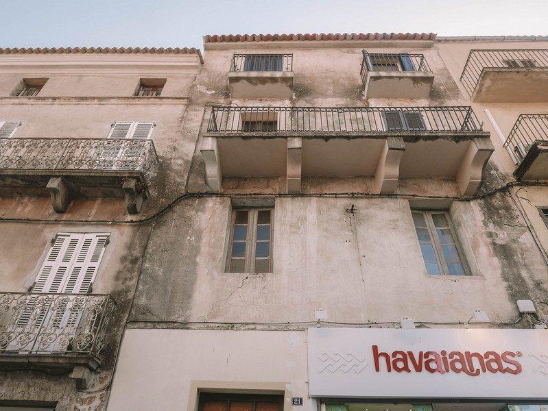 vieux batiment porto vecchio