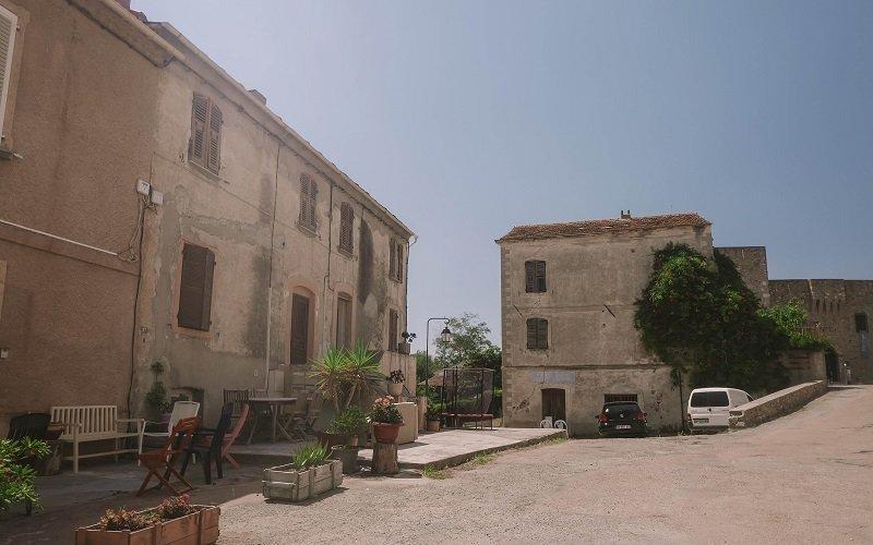 rue centrale village aleria