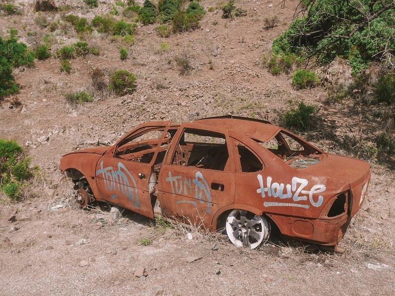 carcasse voiture corse