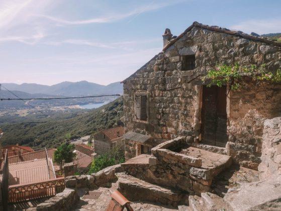 maison en pierre à olmeto