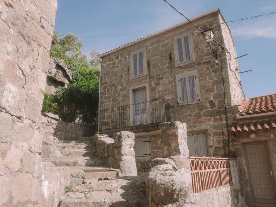 belle maison en pierre