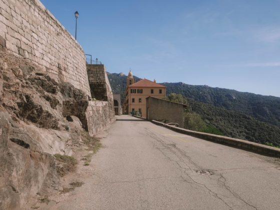 entrée village olmeto