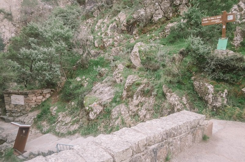 départ sentier de la spelunca