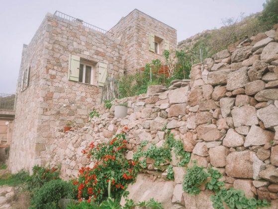 maison en pierre à Lumio