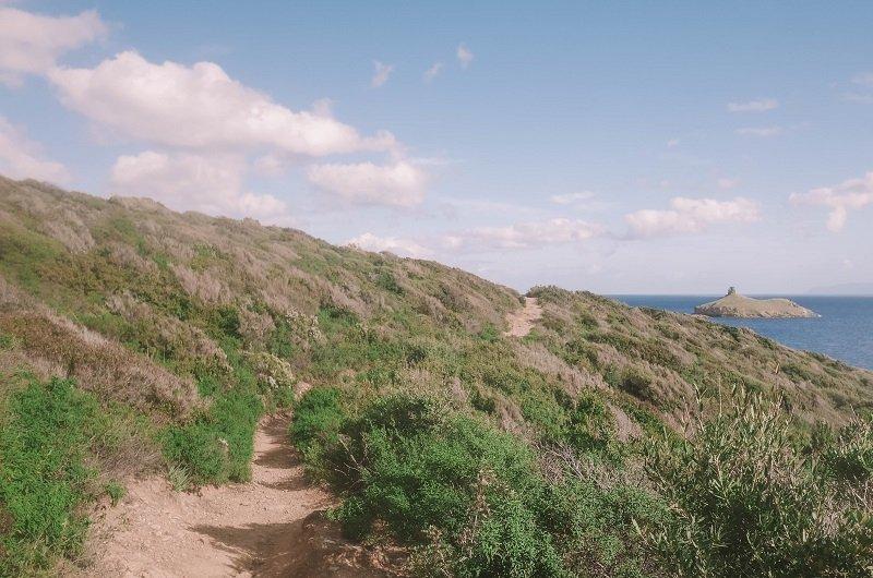 sentier plage des iles rogliano