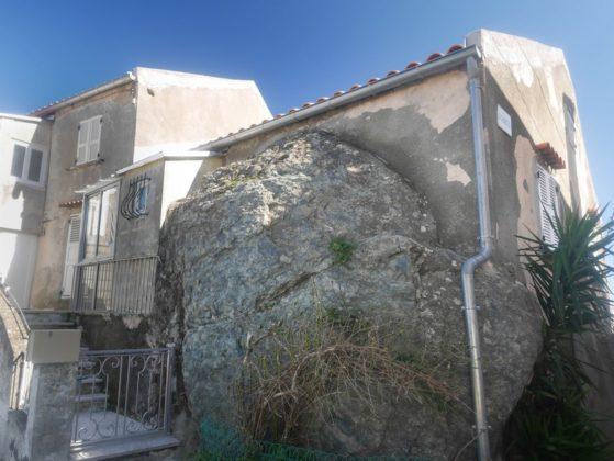 maison rocher cervione