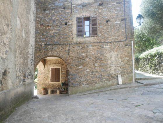 village en pierre corse