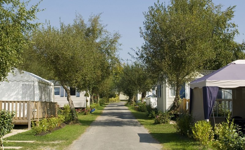 Camping tente ou mobil-home
