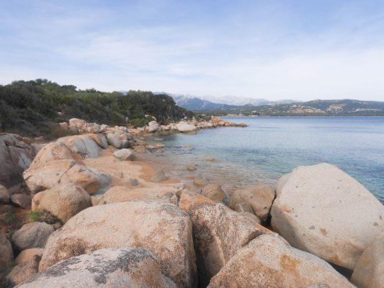 plage rocher corse