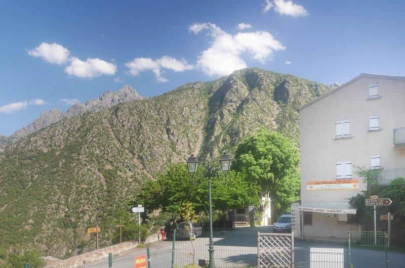 entrée village asco